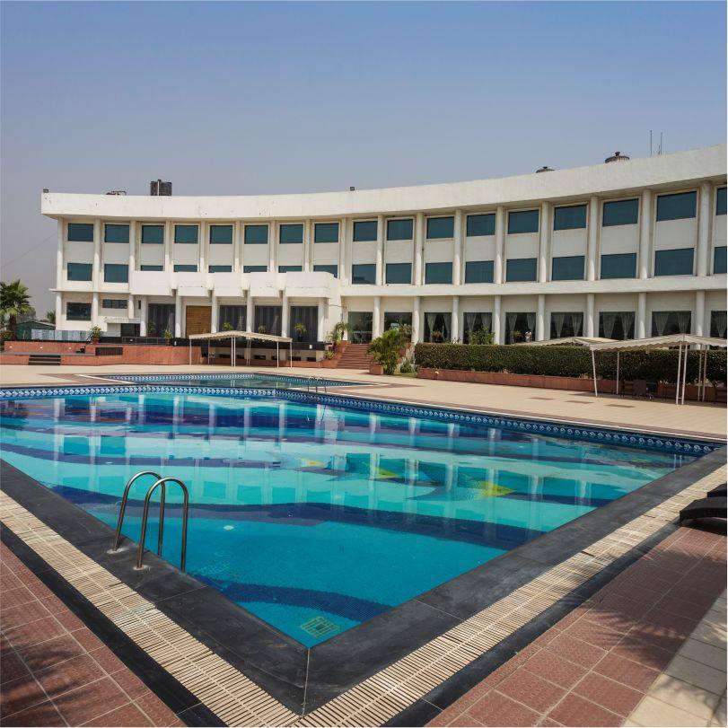 Hotel Website Creative - Square - Swimming Pool - 2